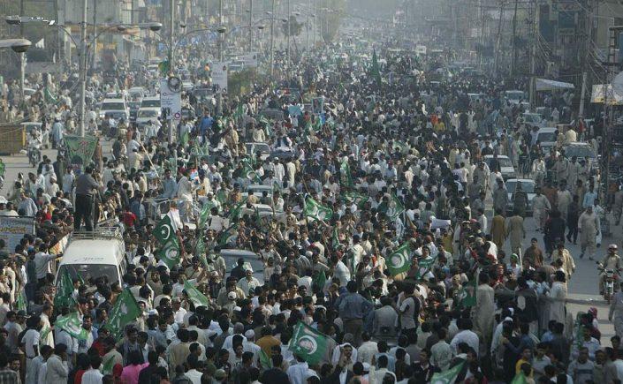 Pakistan ki siasat ke nai rohjanat